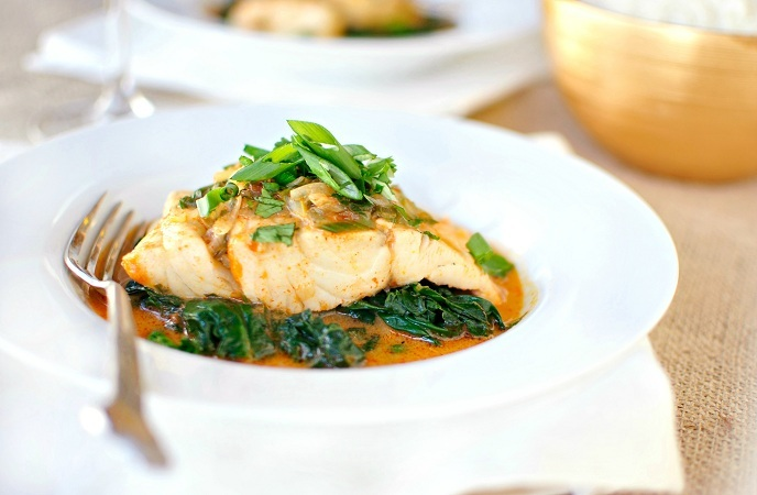 Best Healthy Fish Recipes – Poached Halibut With Coconut Curry Broth