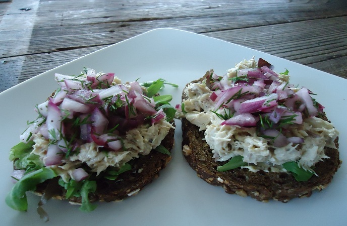 Tinned Mackerel Pate With Quick-Pickled Onions