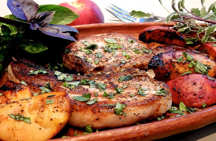 healthy-pork-recipes-peachy-pork-chops
