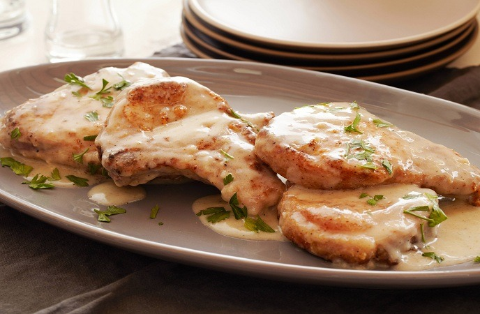 healthy-pork-recipes-sweet smothered pork chops