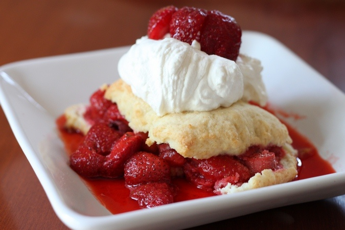 strawberry-dessert-recipes-classic-strawberry-shortcakes