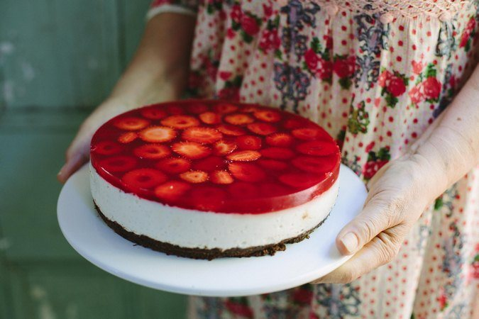 strawberry-dessert-recipes-strawberry-chocolate-mousse-cake