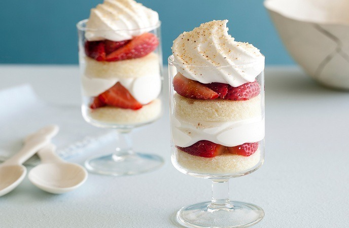 strawberry-dessert-recipes-strawberry-trifle
