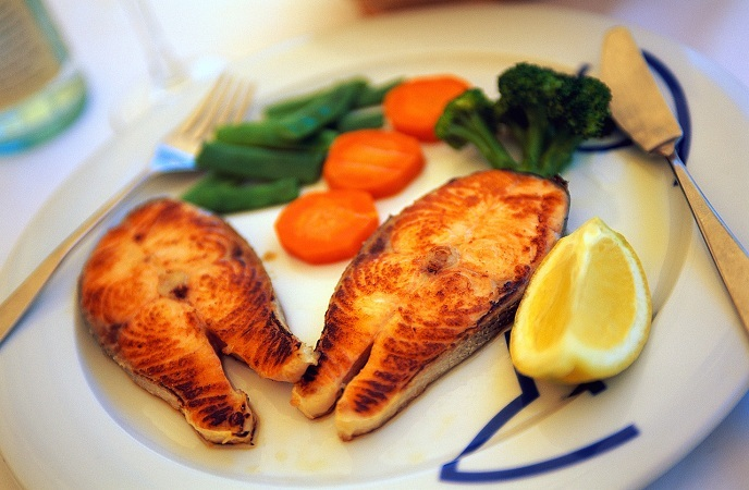 healthy diet for pregnant women  what to eat  not to eat